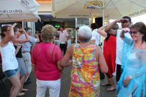 Podersdorf mit Partydancern
